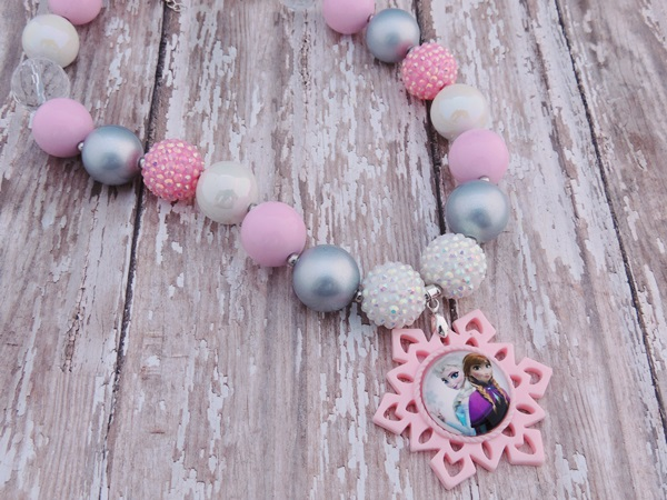 Anna and Elsa-frozen chunky bead necklace, frozen bubblegum bead necklaces, anna elsa necklaces, photography props, photo props, frozen party, baby necklaces
