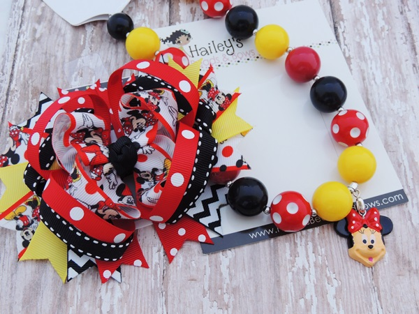 Minnie-minnie mouse inspired necklace, minnie chunky bead necklaces, disney trip necklace, minnie party, photograpy prop, photo prop, bubble gum bead necklaces, bubblegum necklaces