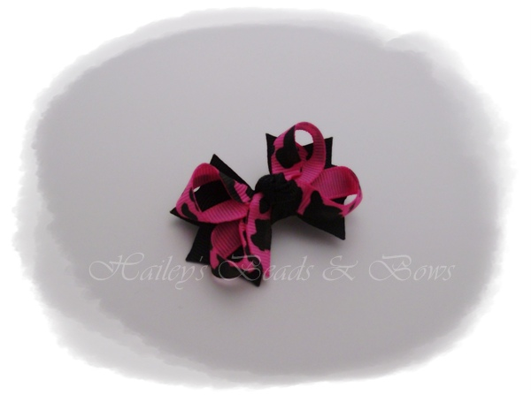 Hot pink animal print-small baby hair bows, baby bows, tiny bows, toddler bows, boutique hair bows, two tone hair bows, layered hair bows
